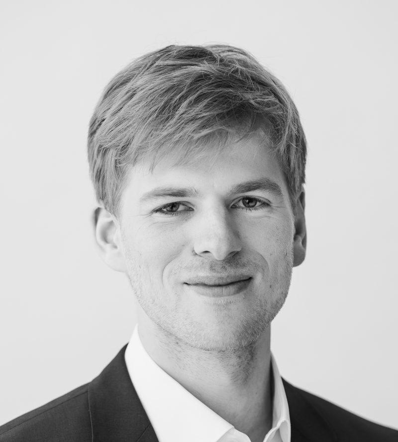 Juri Simons, Economist E.CA Economics
